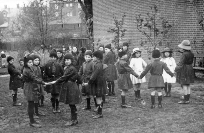 Ipswich Brownies 1922